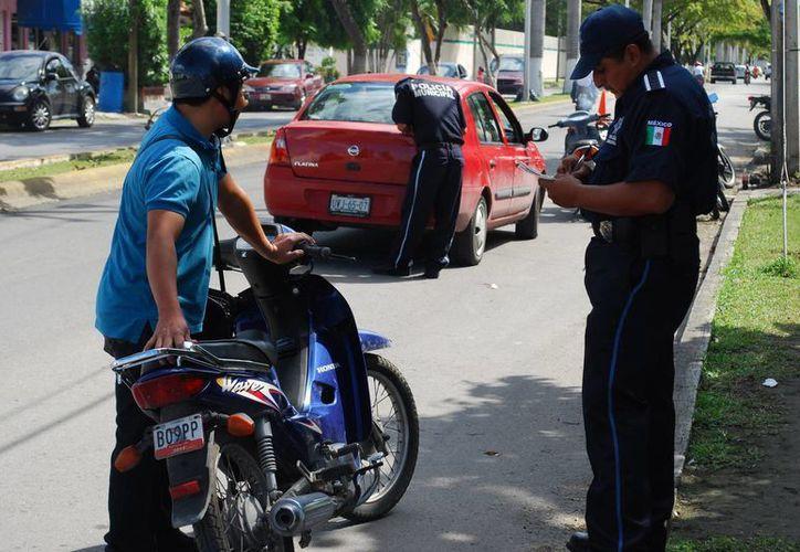 Los conductores infraccionados por exceso de velocidad pagarán hasta 534.50 pesos. (Julián Miranda/SIPSE)