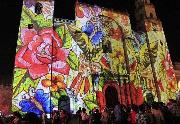 """Se presenta el espectáculo """"La noche de las culturas"""" en la Catedral de Mérida. (Milenio Novedades)"""