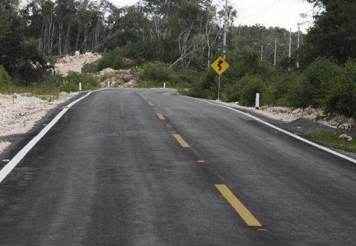 La construcción de vías carreteras así como la repavimentación fueron parte de las obras públicas de Quintana Roo. (Redacción/SIPSE)