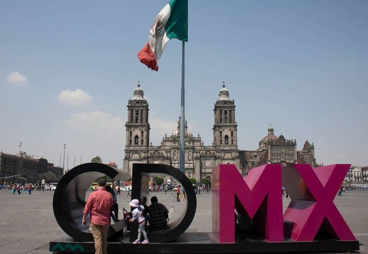 La legisladora Cristina Díaz señala que las zonas metropolitanas atraviesan una crisis de movilidad y cultura ambiental. (Notimex)