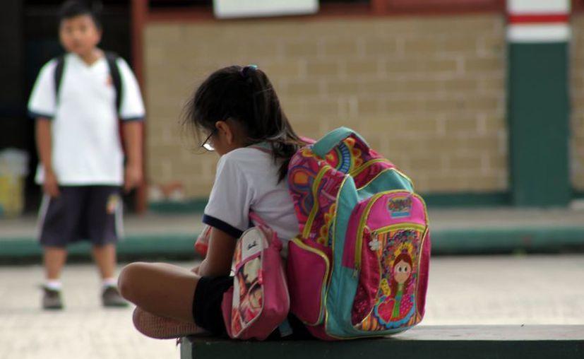 """Otro de los problemas de las mochilas con sobrepeso, es que pueden ser utilizadas como armas en el interior de las escuelas en los casos de """"bullying"""". (Francisco Sansores/SIPSE)"""