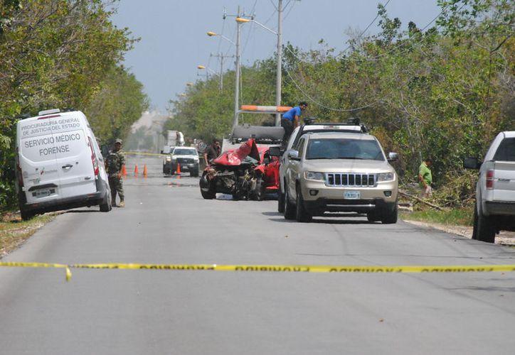 El lesionado impactó el vehículo que conducía contra un poste. (Eric Galindo/SIPSE)