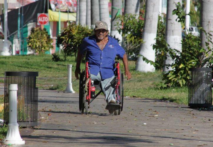 Tres de cada 10 personas con discapacidad encuentra un empleo en la entidad. (Gerardo Amaro/SIPSE)