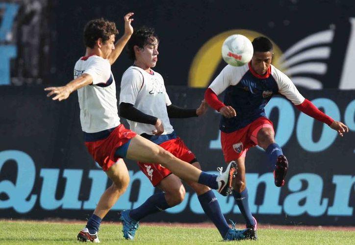 Potros se prepara intensamente para el próximo partido. (Ángel Mazariego/SIPSE