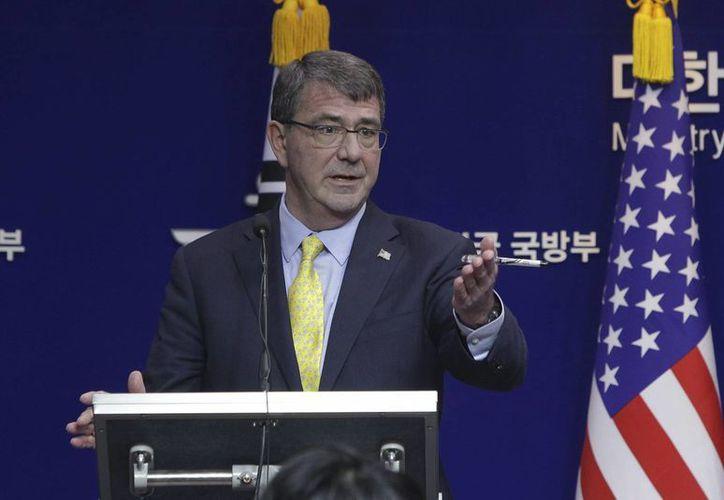 Ashton Carter, titular de la defensa estadounidense, aseguró que llegará el momento en que sea necesario cambiar la estrategia contra el Estado Islámico. (EFE)