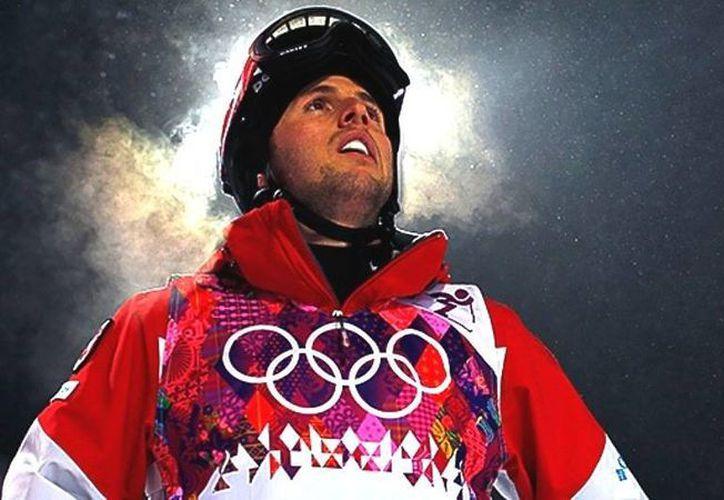 El esquiador canadiense, quien ya ganó una medalla de oro en Sochi, promete, por su hermano, subirse de nuevo a lo más alto del podio en estos Juegos Olímpicos. (Agencias)