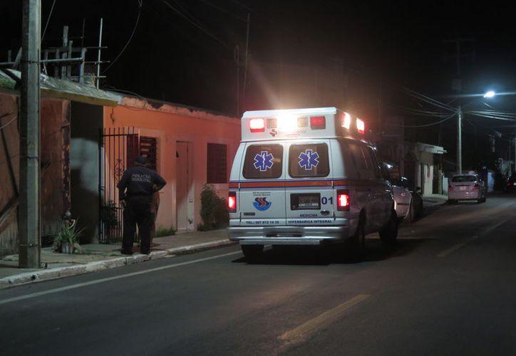 Un joven terminó herido de gravedad al caer accidentalmente sobre la reja de una vivienda, a la cual pretendía ingresar. (Redacción/SIPSE)