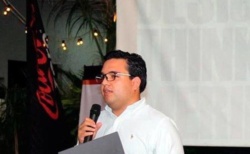 Eder García ofreció una charla en donde presento dichas herramientas para la innovación de servicios y productos por parte de emprendedores que buscan mejorar su desempeño como empresarios (Milenio Novedades).