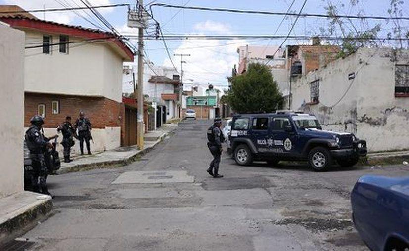 La tarde del jueves fueron detenidas en Puebla 10 personas relacionadas con el asesinato del comisionado de la Policía Federal en Veracruz. (Milenio.com)