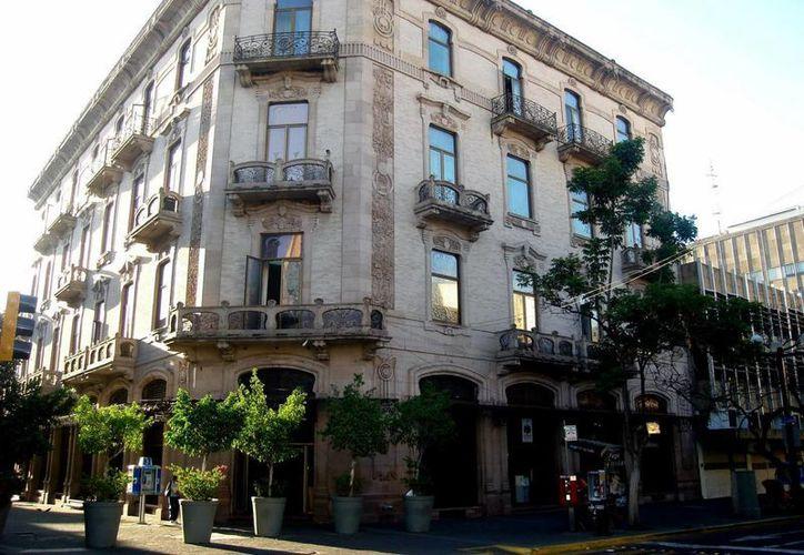 Edificio de la Secretaría de Finanzas de Jalisco, donde se investigan diversos delitos cometidos. (noticiasdelgobiernodejalisco.blogspot.com/Archivo)