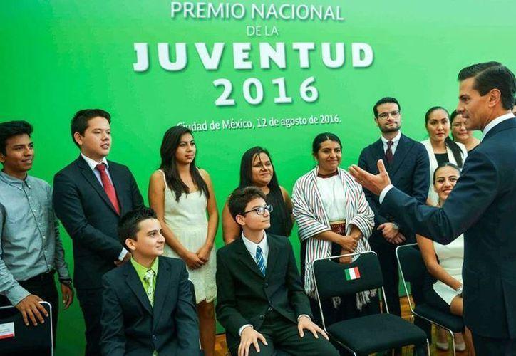Son 10 las categorías del Premio Nacional de la Juventud, que será entregado por el Presidente de la República. (Presidencia)
