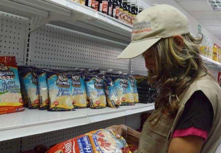 La crisis que se vive en Venezuela ha ido en aumento, por lo que ahora padecen escasez de avena. (Archivo/Agencias)