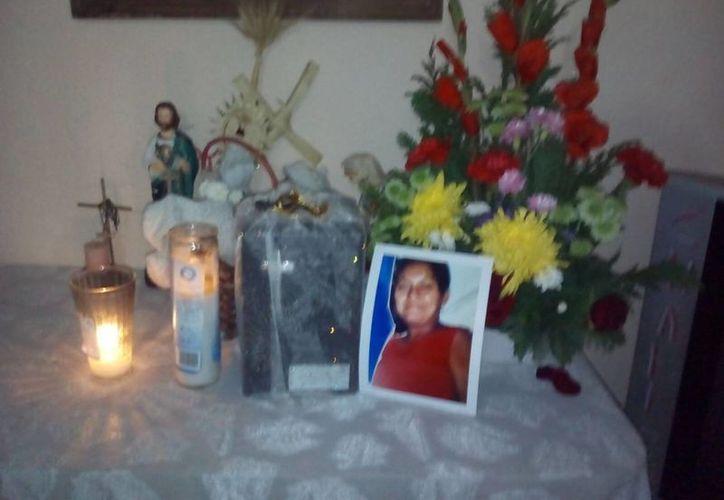 Las autoridades ministeriales entregaron el cuerpo de Inés a su hermana María del Rosario. (Redacción/SIPSE)