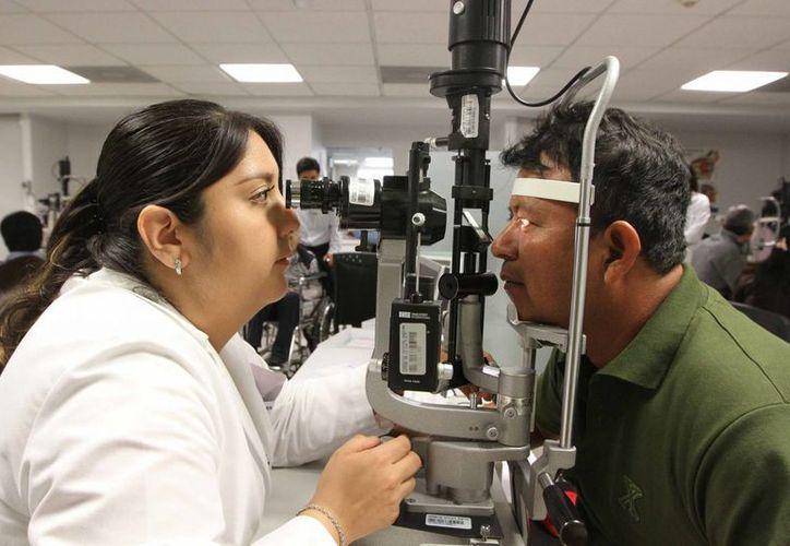 Oftalmología es una de las especialidades que estarán dentro del catálogo del Sistema Universal de Salud en el país. (Archivo/ Notimex)