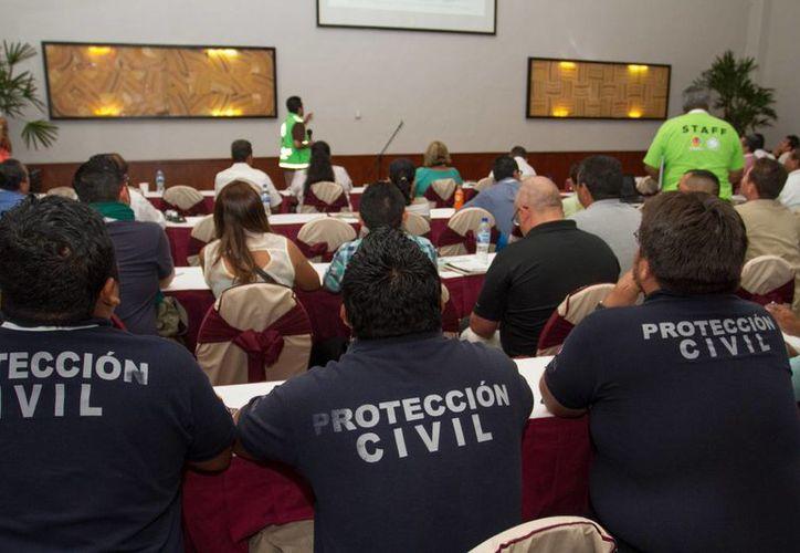 Coordinadores de Protección Civil de las 32 entidades del país se reúnen del 12 al 15 de mayo en la Riviera Maya. (Daniel Pacheco/SIPSE)
