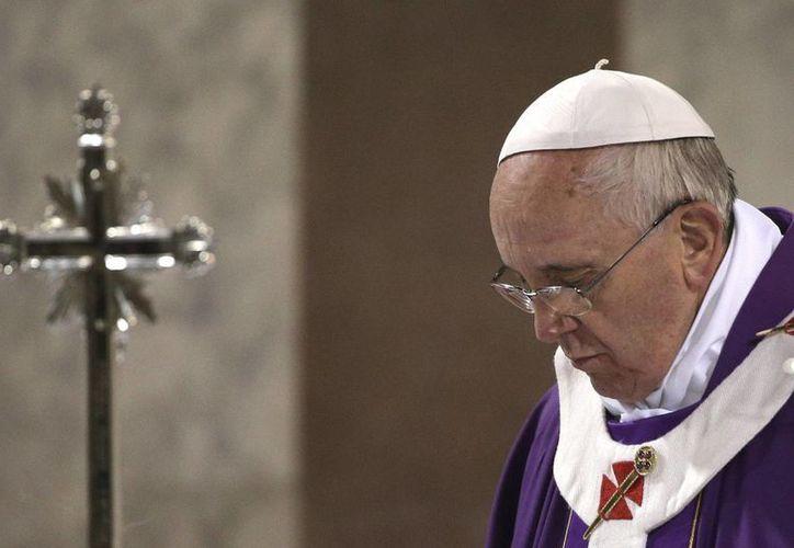 El Papa indicó que es labor de la Iglesia compartir el peso de las situaciones difíciles. (Archivo/Agencias)