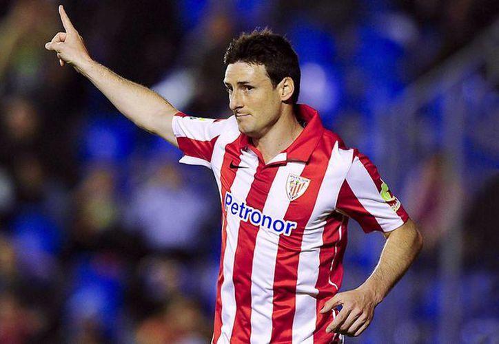 Aritz Aduriz (foto) y Xabier Etxeita hicieron los goles con los que Athletic de Bilbao ganó 2-0 y eliminó a Espanyol en la semifinal de la Copa del Rey. (kaisermagazine.com/Foto de archivo)