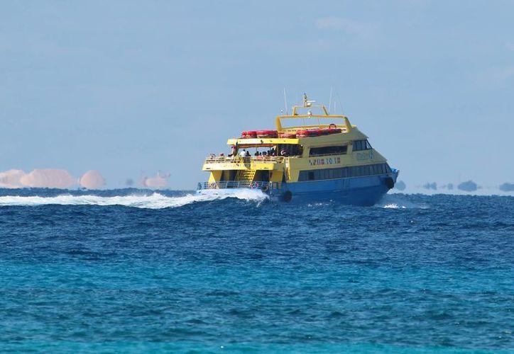 Aún no hay fecha de entrada en operación de la nueva naviera que hará cruces entre Cozumel y Playa del Carmen. (Gustavo Villegas/SIPSE)