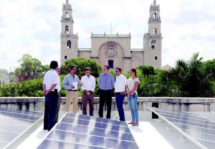 En el edificio del Olimpo se instalaron los paneles solares del Ayuntamiento de Mérida. (Novedades Yucatán)