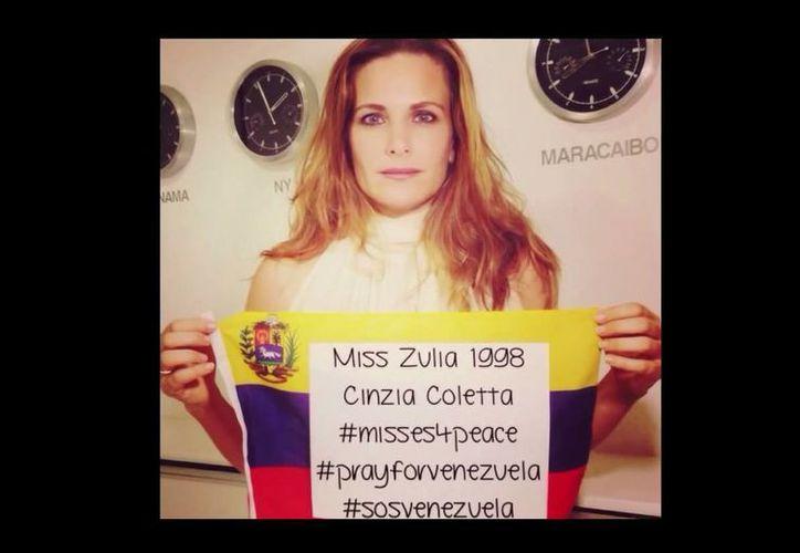 Un centenar de misses hicieron un llamado a la paz en su país a través de un video difundido en Youtube. (Captura de pantalla)
