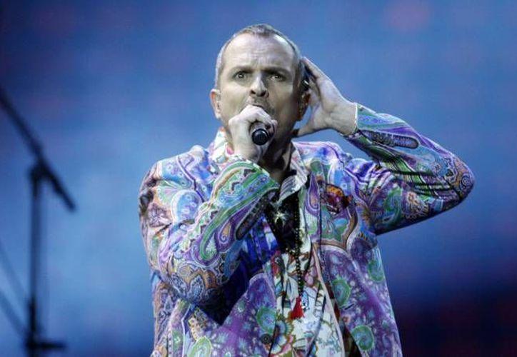 Bosé será honrado en la víspera de la 14ta entrega anual de los Latin Grammy. (Agencias/Foto de archivo)