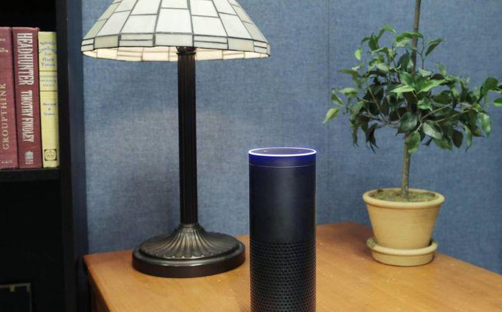 Hace dos años Amazon presentó el Amazon Echo, el cual tiene un costo de 180 dólares. (AP/Mark Lennihan)