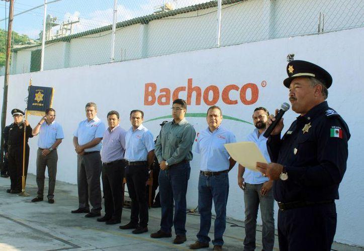 El director de la PMM, Mario Arturo Romero Escalante, en el curso de vialidad a personal de una empresa avícola. (Milenio Novedades)