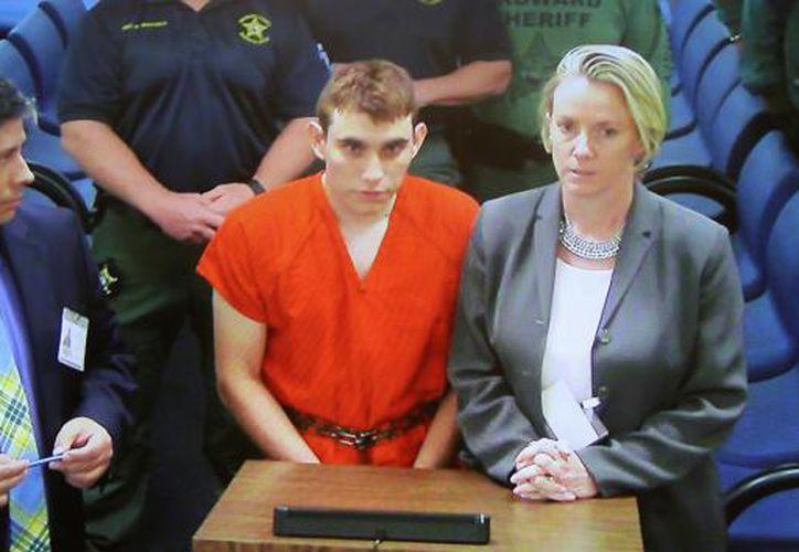Nikolas Cruz de 19 años de edad fue presentado ante un juez la tarde de este jueves. (Foto: Reuters)