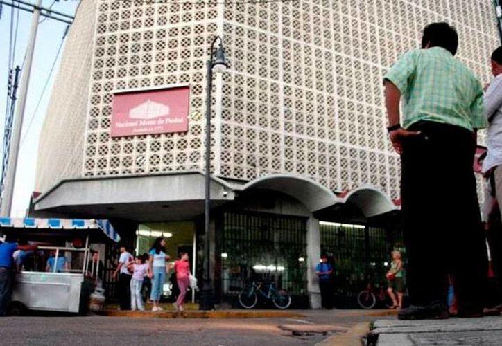 El Nacional Monte de Piedad, sucursal Centro de Mérida, registra hasta 1,000 operaciones por día durante la segunda quincena del mes de enero. (Archivo/SIPSE)