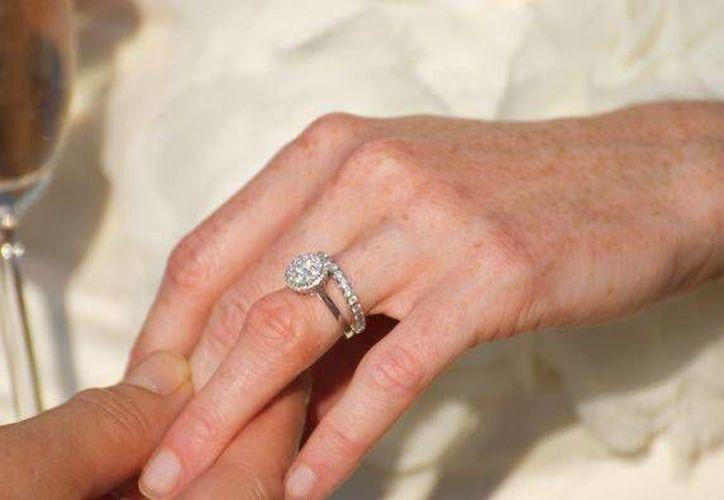 Los anillos en la joyería Zales alcanzan precios de miles de dólares. (boards.weddingbee.com)