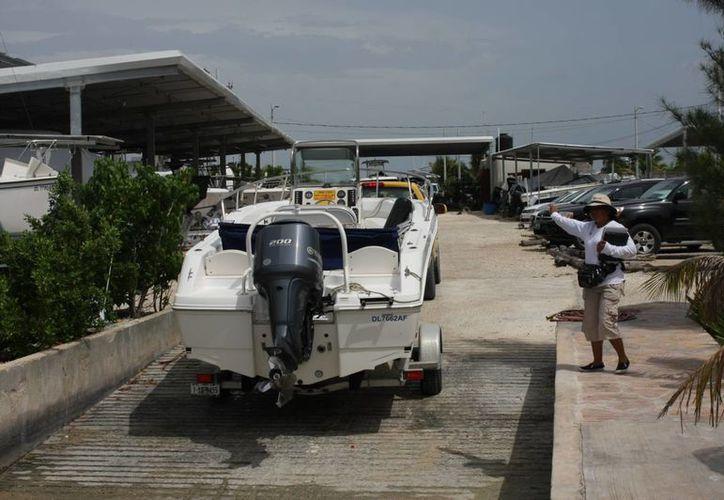 """Las """"colas"""" de motor tiene valor va entre los 60 mil y 100 mil pesos si es nueva. (Milenio Novedades)"""