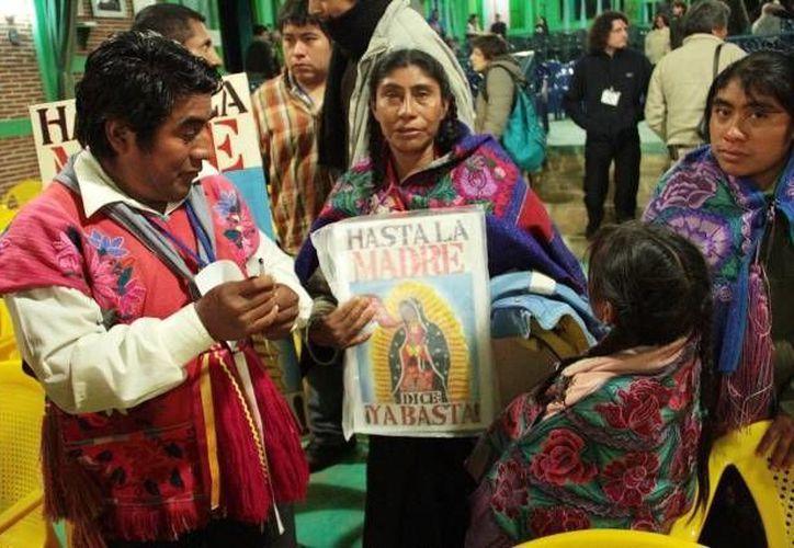 Según el censo realizado en 2010, solamente un 5.2% de los mexicanos se declaran evangélicos, contrastando con el 88% que se dijo católico. (Archivo/SIPSE)
