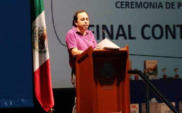 Manuel Fernando Guzmán, presidente de la Solacyt,  hizo un llamado a los maestros para actualizarse. (Milenio Novedades)