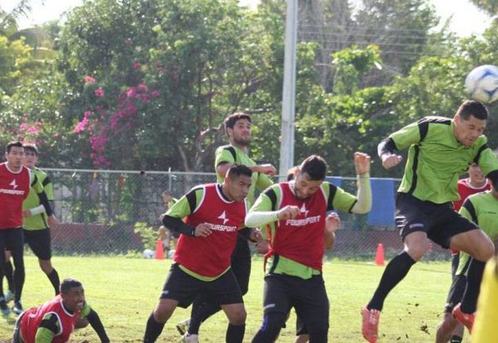 Venados FC Yucatán entrenó fuerte para su duelo, esta noche, frente a Potros de Hierro del Atlante, en Cancún, en juego de la Copa MX. (Milenio Novedades)