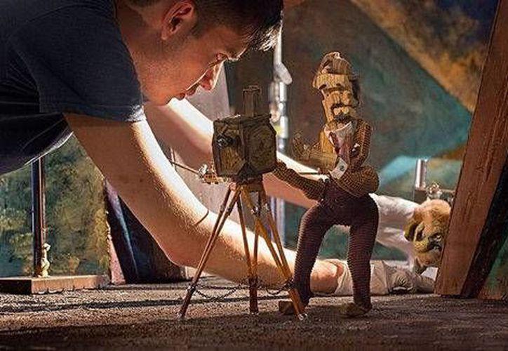 La compañía mexicana Cinema Fantasma hasta hace poco producía cortometrajes a través del financiamiento colectivo, ahora ha incursionado en la televisión en EU. (Cortesía)