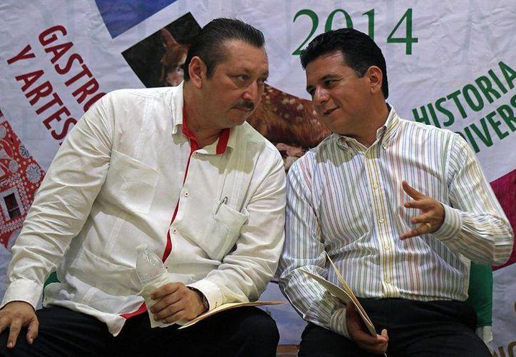 Los presidentes de Valladolid y Cozumel sostuvieron una reunión ayer en la oficina de la presidencia de la isla.  (Redacción/SIPSE)