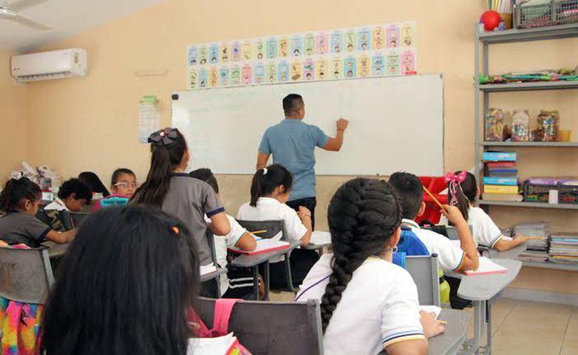 Los profesores también podrán aspirar a un ascenso de cargo, para lo cual deberán ser evaluados. (Novedades Yucatán)