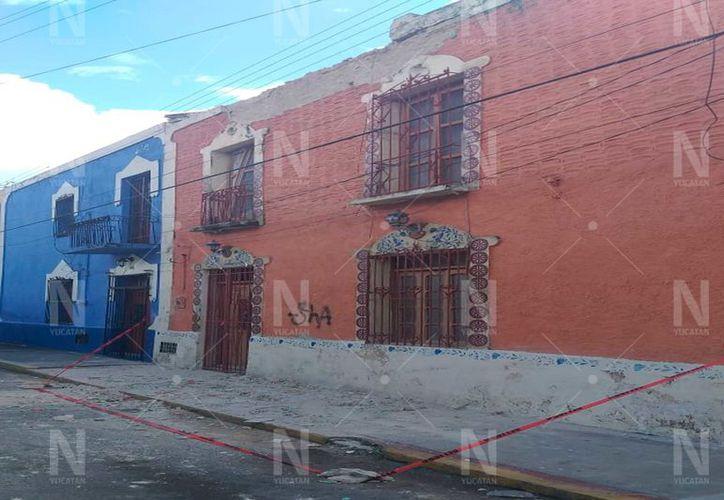 Cae fachada de casa en el centro de Mérida.(Foto: Novedades Yucatán)