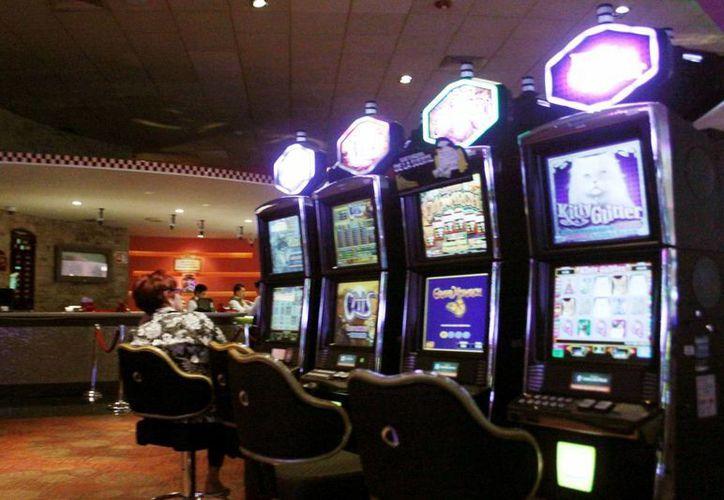 La recaudación de la Agencia de Administración Fiscal del Gobierno del Estado respecto a los 6 casinos meridanos fue mayor de lo estimado, debido a que se pagaron  adeudos que arrastraban los casinos por perder amparos. (SIPSE)