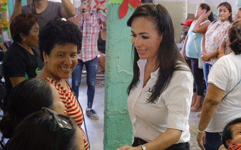 Laura Fernández destacó que la educación es uno de los principales motores para el progreso de Puerto Morelos. (SIPSE)