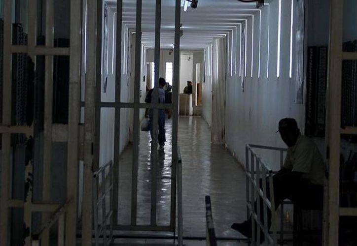 El programa beneficiaría al menos a 15 mil internos. (Archivo/SIPSE)