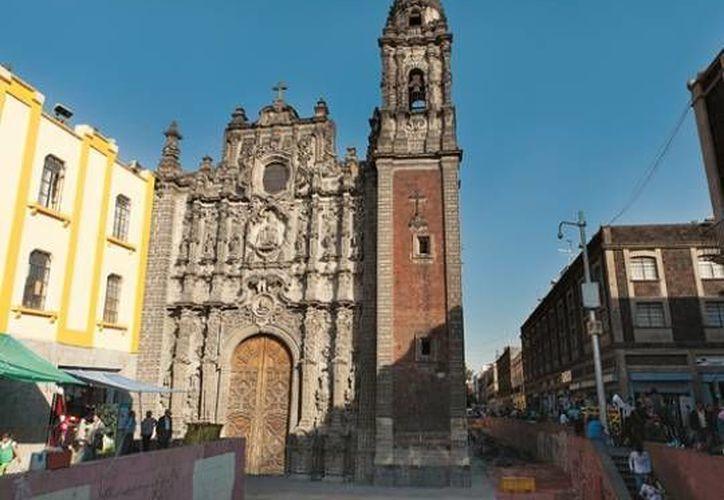 Fachada de la iglesia de La Santísima Trinidad, en la ciudad de México, donde abandonaron a la recién nacida. (Foto:www.guiadelcentrohistorico.mx)