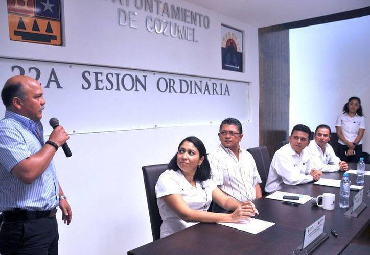 Ayer el Cabildo aprobó que el Premio al Mérito Turístico tenga el nombre del fallecido empresario hotelero Gastón Cantarell Díaz. (Irving Canul/SIPSE)