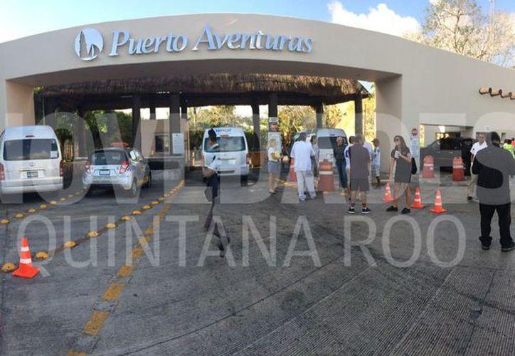 Automovilistas y turistas se vieron afectados por el tráfico que se generó. (Adrián Barreto/ SIPSE)