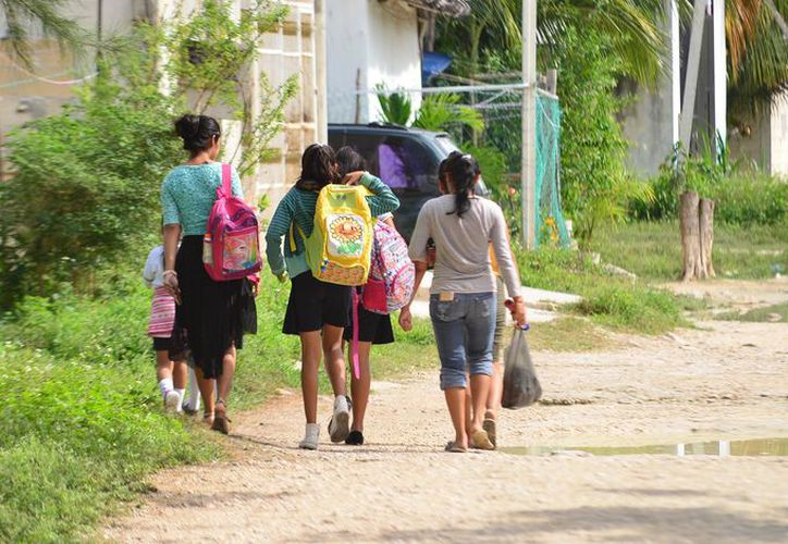 Miles de familias viven en colonias irregulares del municipio de Benito Juárez. (Karim Moisés/SIPSE)