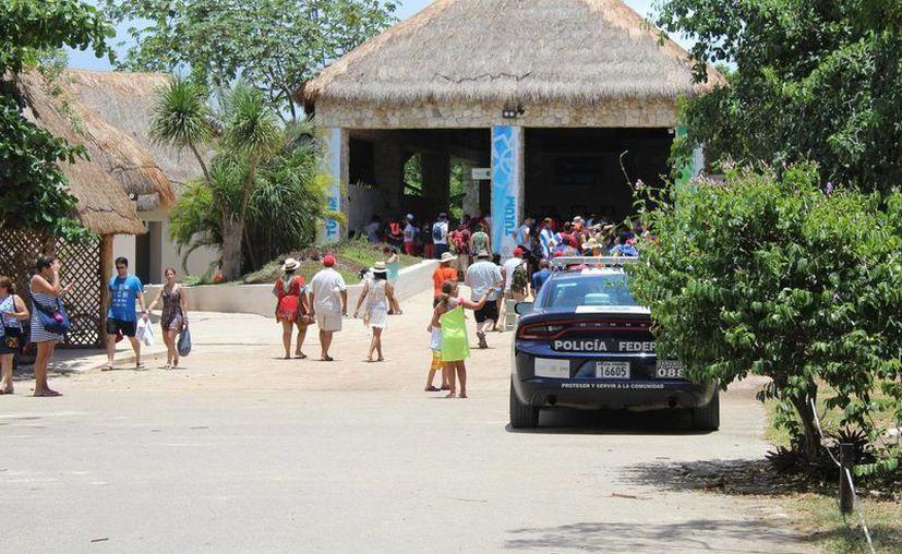 La zona arqueológica de Tulum ha sido visitada este verano por poderosos  personajes nacionales e internacionales. (Sara Cauich/SIPSE)