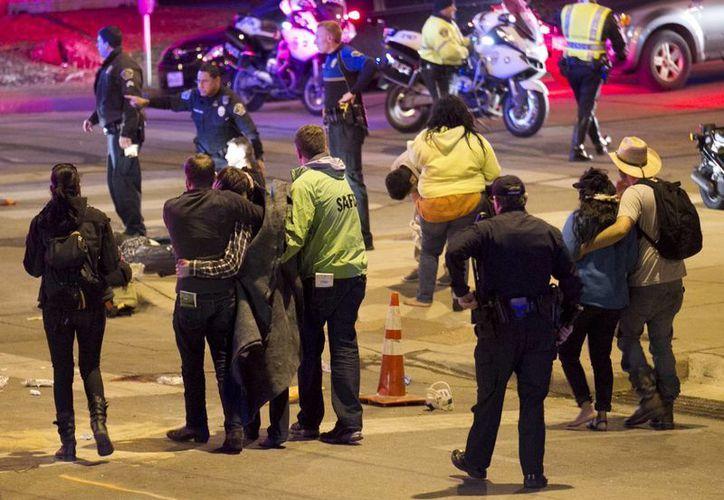 Dos personas murieron en el sitio del accidente, mientras que la mayoría de los heridos no están graves. (Agencias)