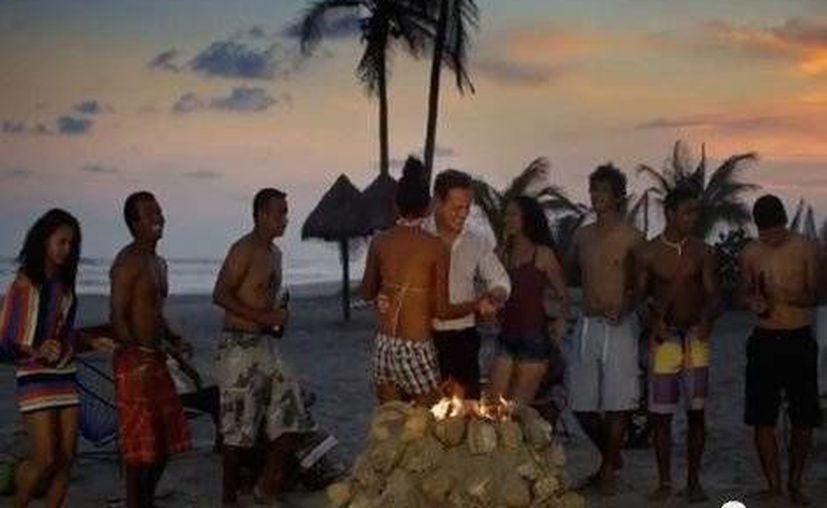 Luis Miguel es la imagen de Acapulco. La imagen corresponde a uno de los promocionales. (milenio.com)