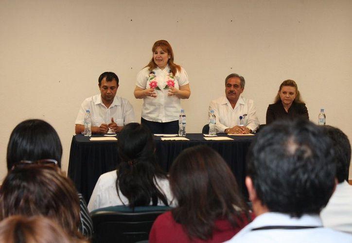 En el taller sobre delitos federales cometidos por adolescentes participaron más de 25 funcionarios de la FGE, TSJE y PGR. (Cortesía)