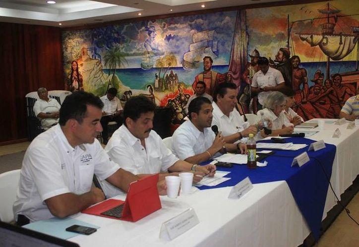 En la sesión se confirmó que han sido alcanzados 53 acuerdos de los 72 propuestos. (Lanrry Parra/SIPSE)